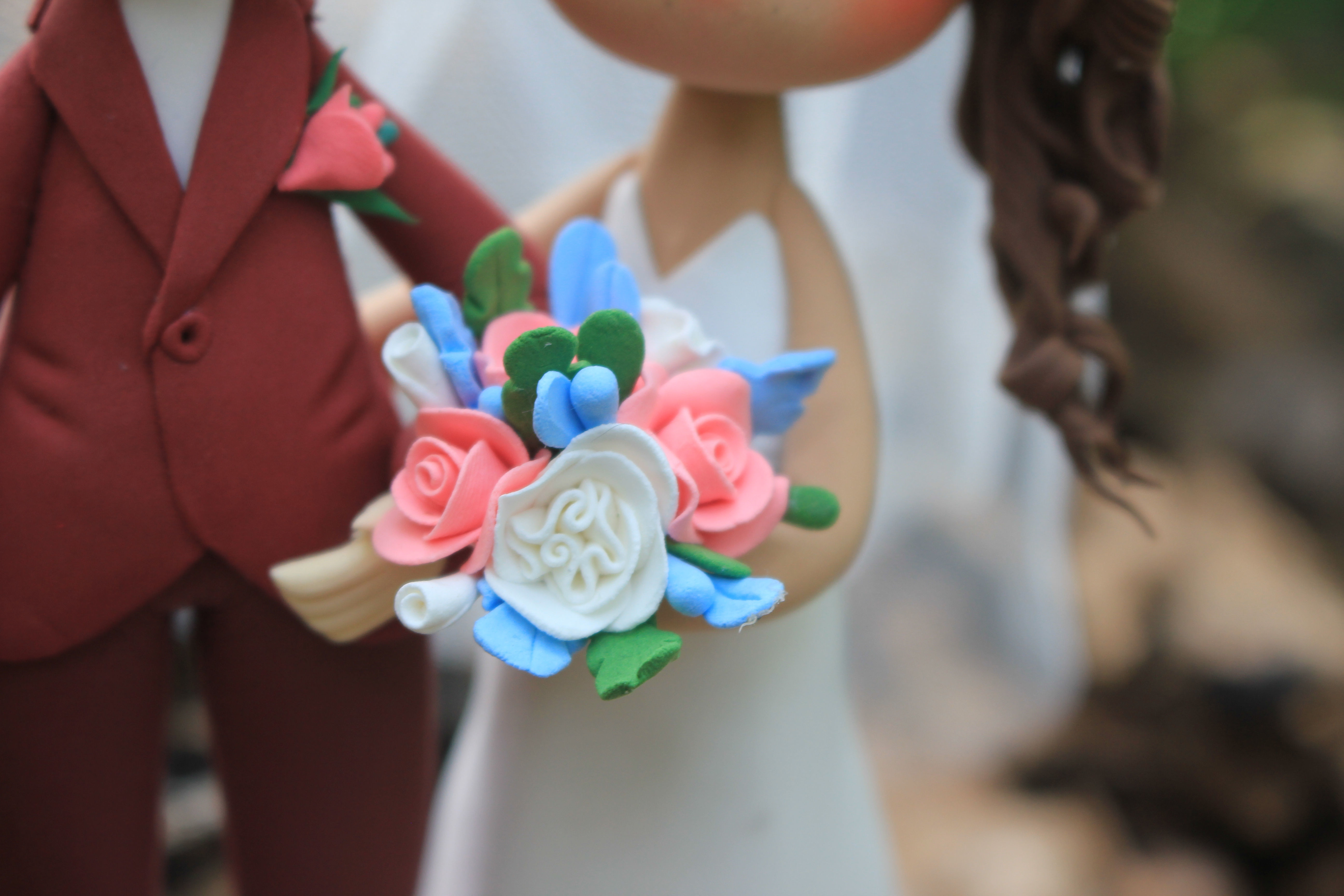 Picture of Gorgeous Wedding Cake Topper
