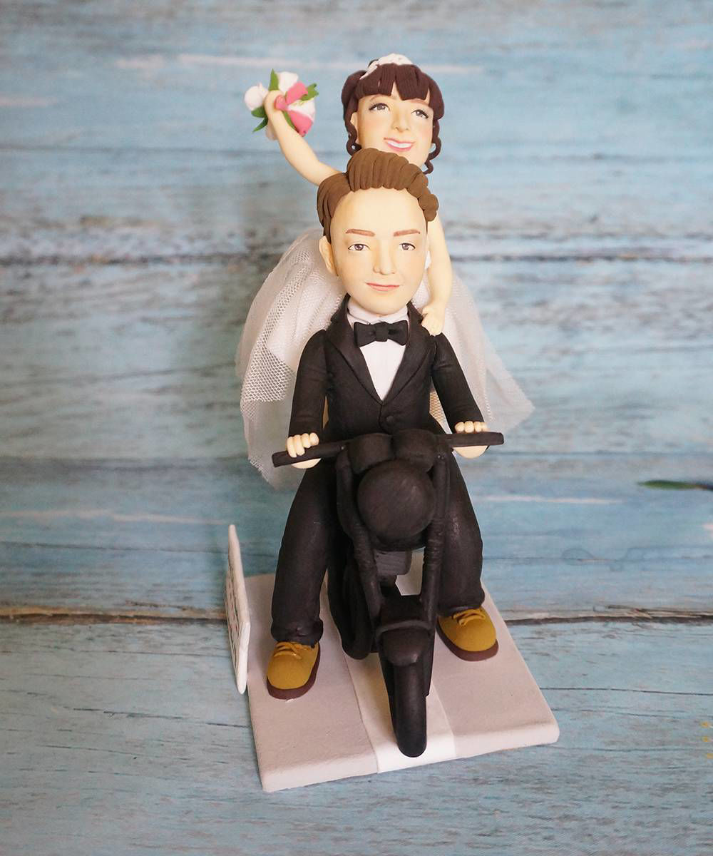 Picture of Scooter Wedding Cake Topper