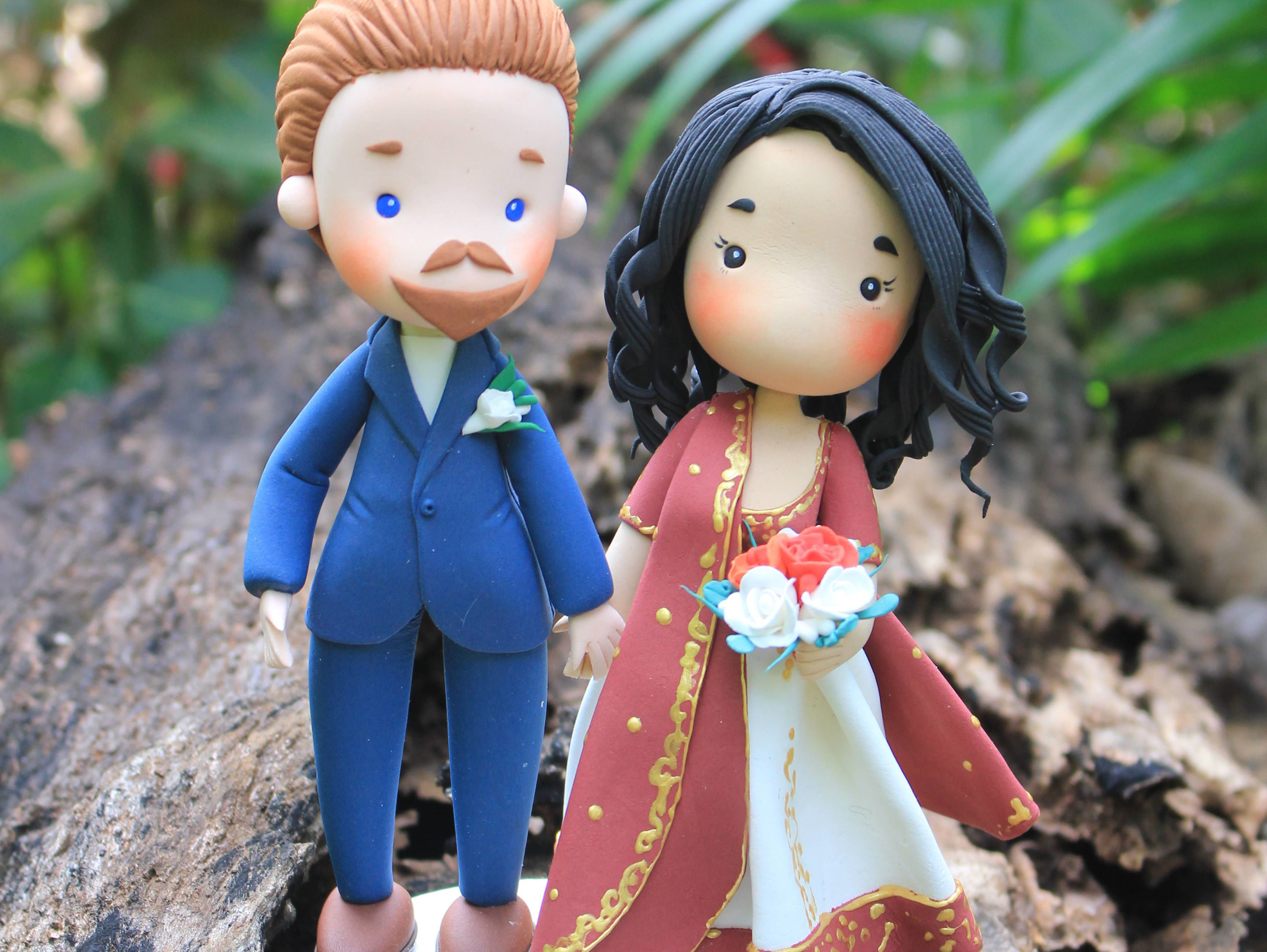 Picture of Indian Wedding Cake Topper