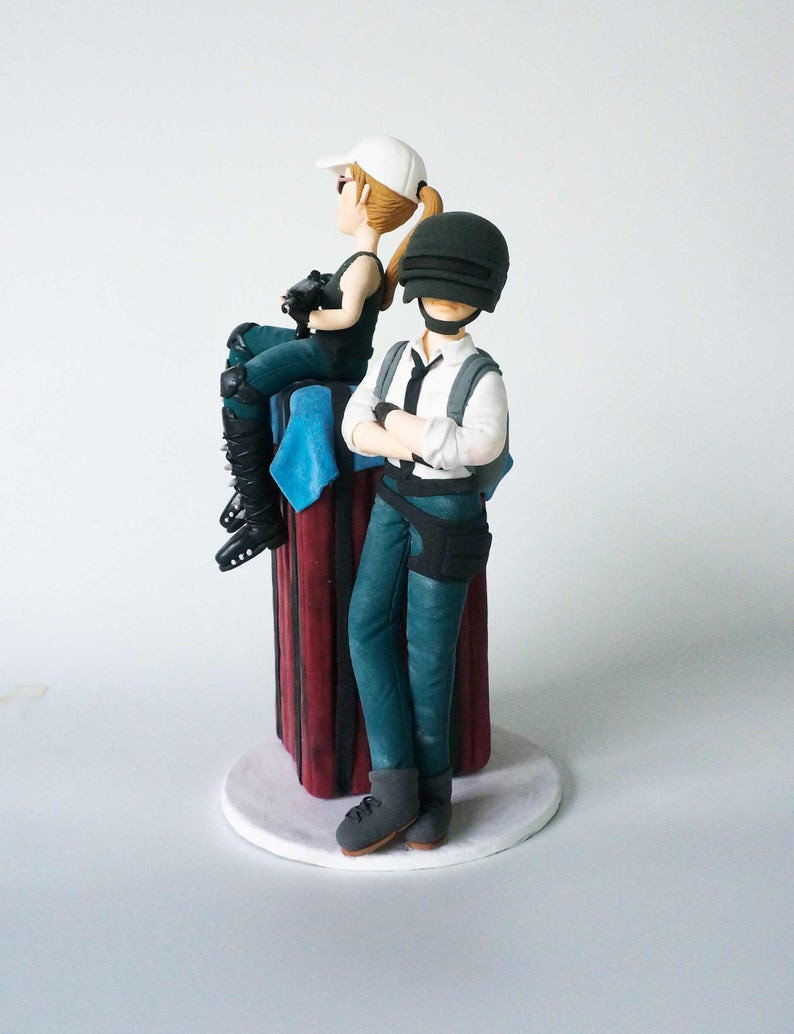 Picture of Gamer wedding cake topper, Game commission clay figurine